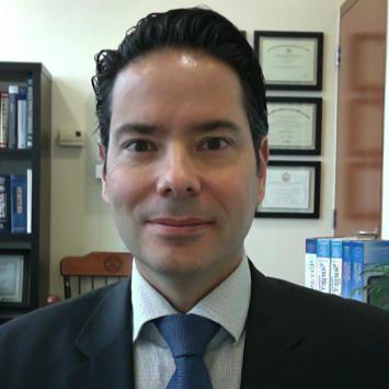 Dr. Fernando Cordera